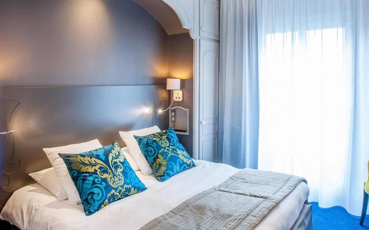 Luminous room, 4-star hotel rooms Lourdes, Hôtel Gallia Londres