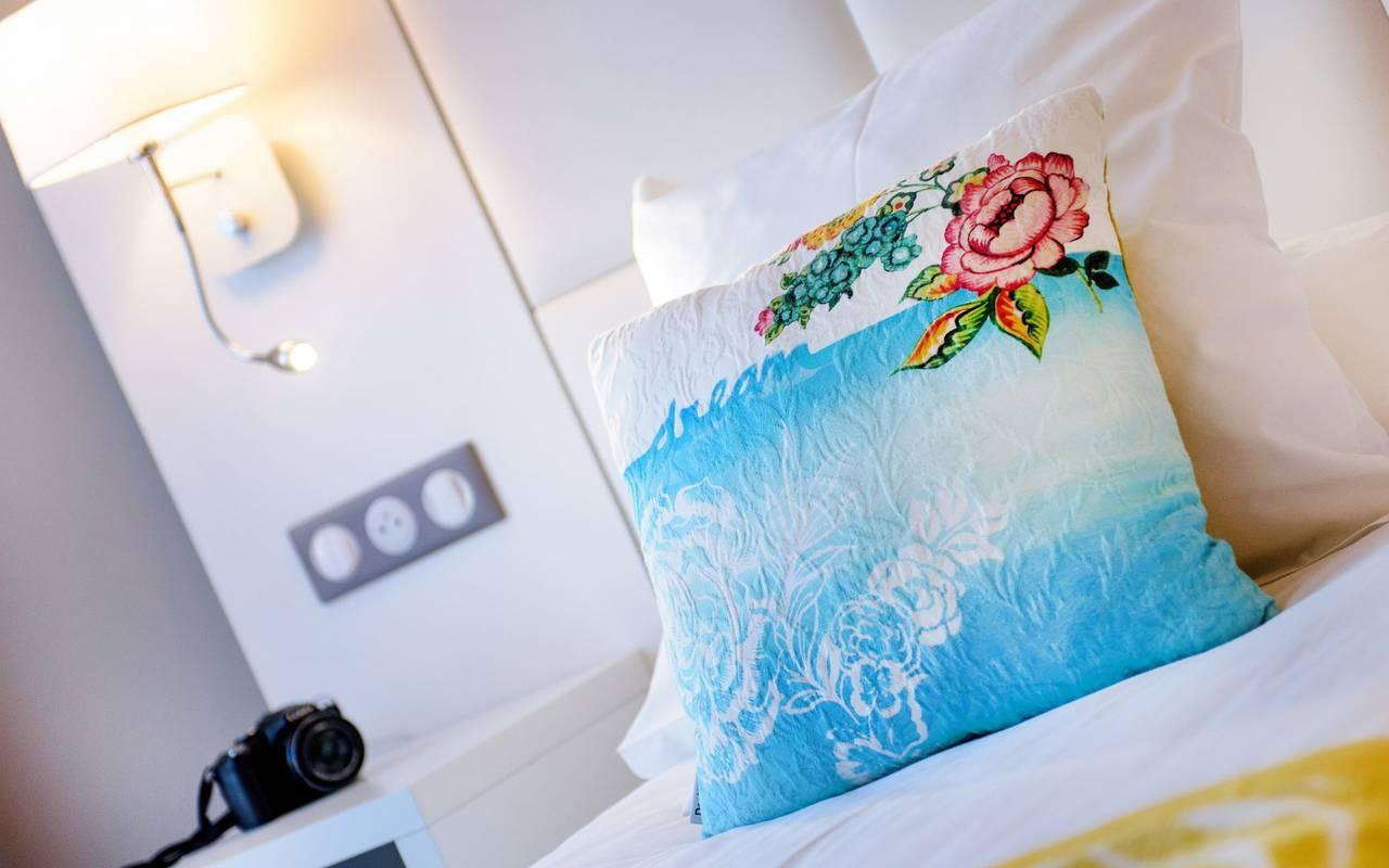 Cushion with a rose, 4-star hotel Lourdes, Hôtel Gallia Londres