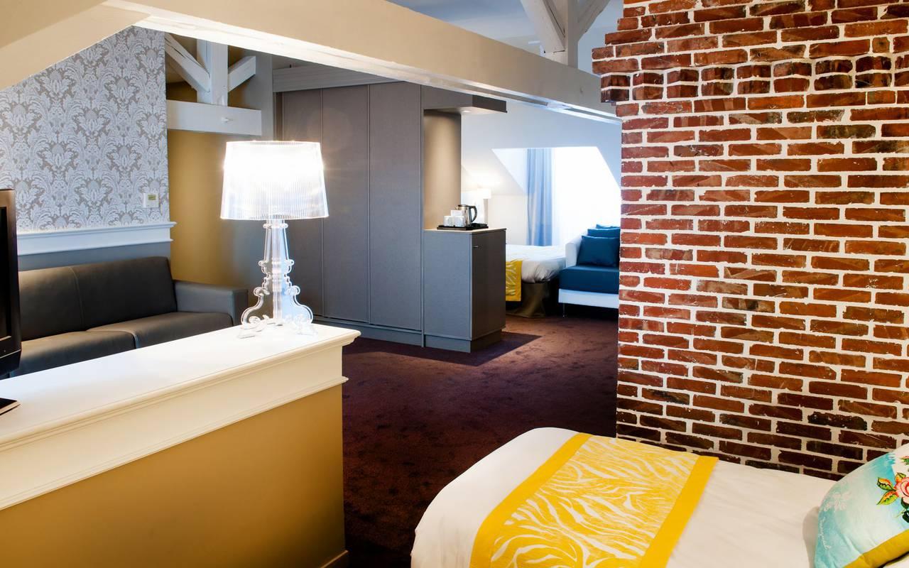 Room with brick wall, 4-star hotel Lourdes, Hôtel Gallia Londres