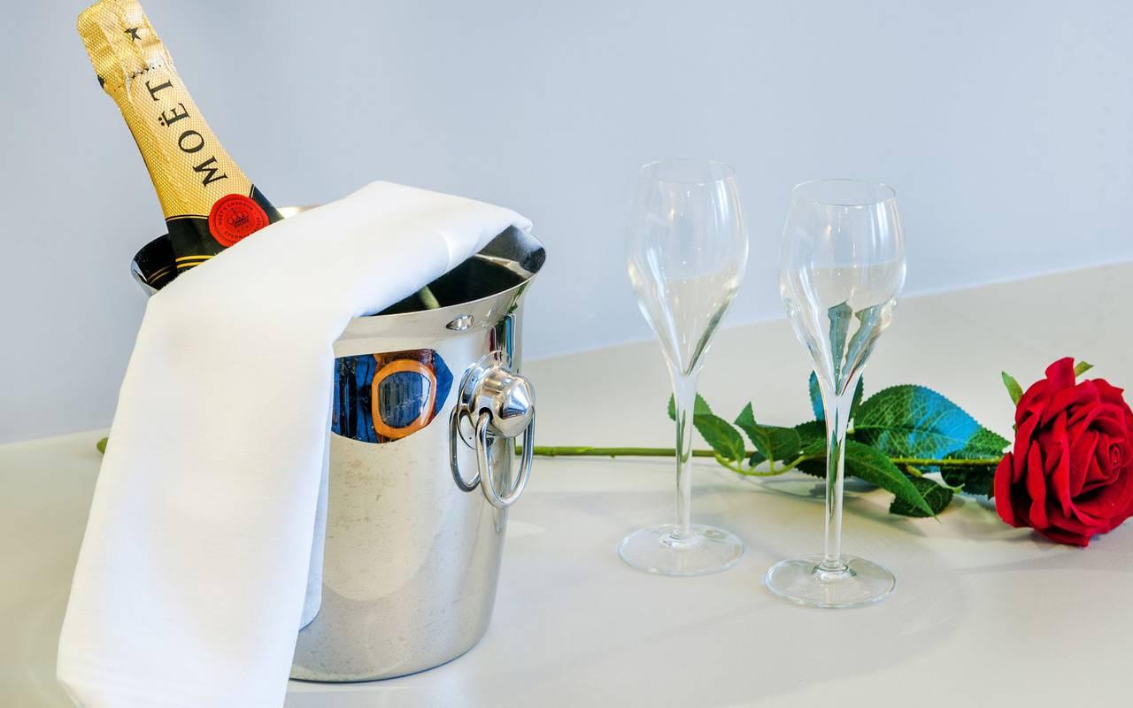 Champagne, 4-star hotel Lourdes, Hôtel Gallia Londres