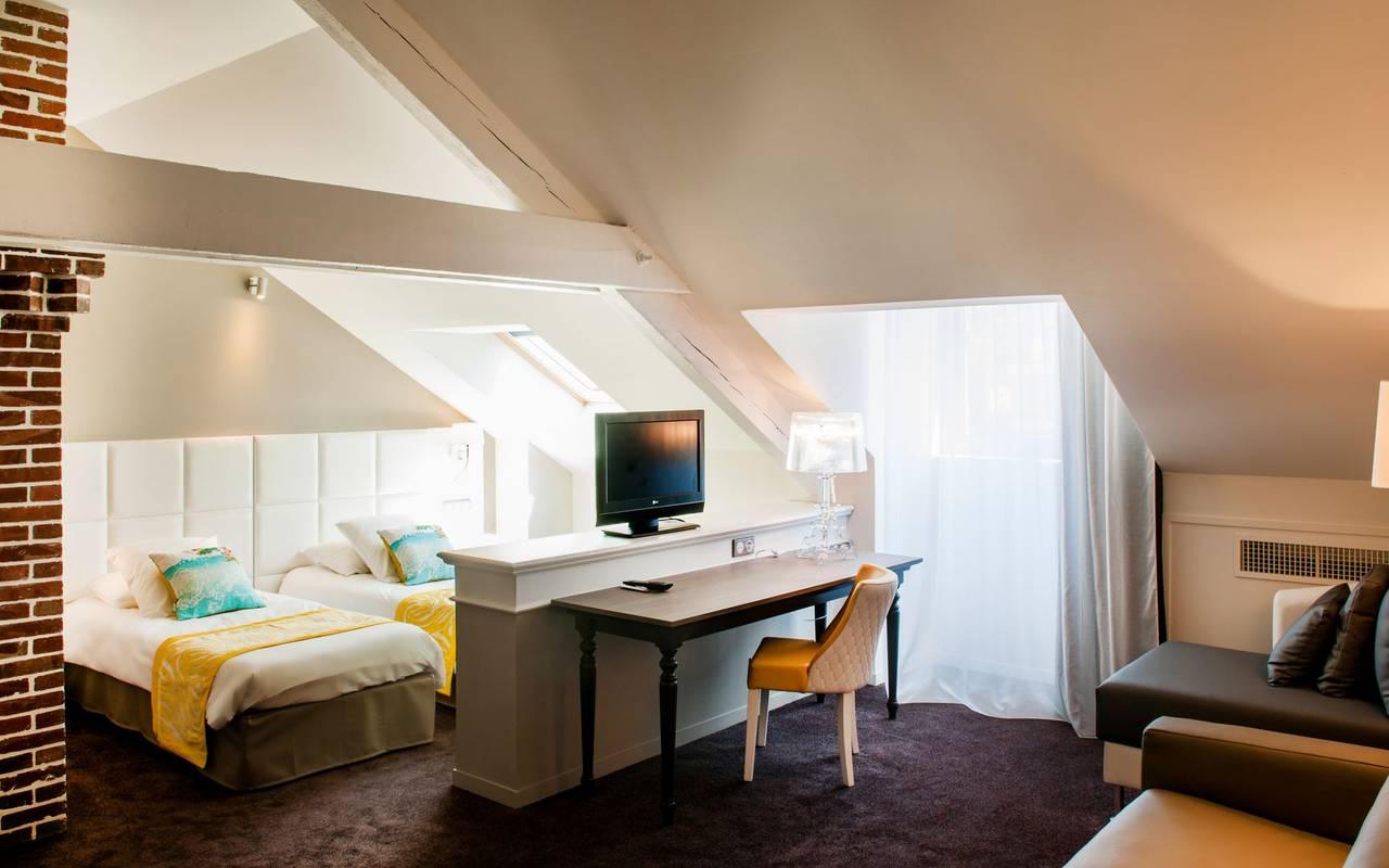 Bedroom with TV, 4-star hotel Lourdes, Hôtel Gallia Londres
