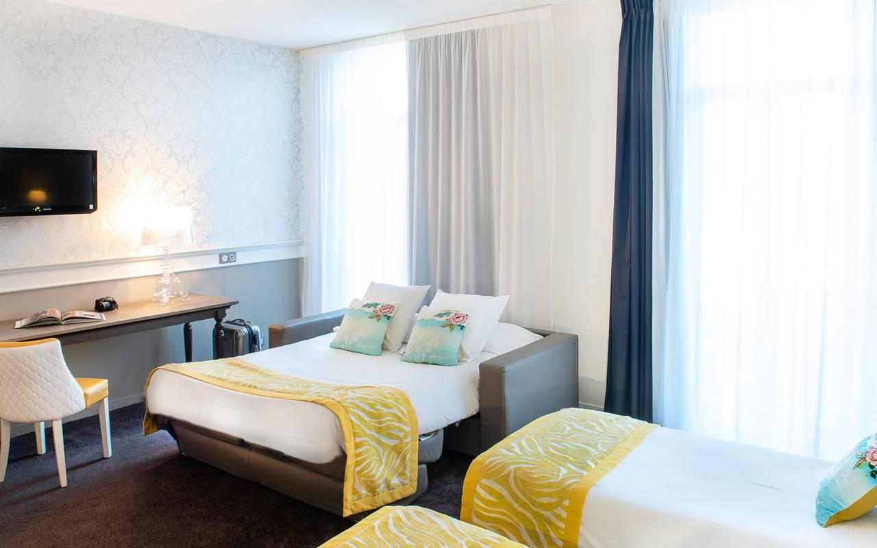 Room for 4 people, 4-star hotel Lourdes, Hôtel Gallia Londres