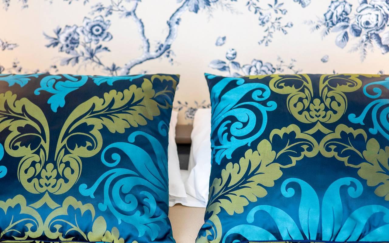 Design pillows, 4-star hotel Lourdes, Hôtel Gallia