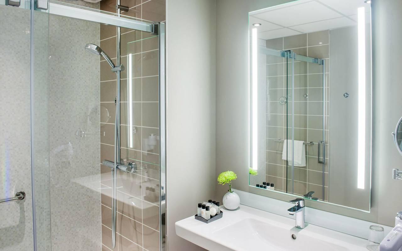Bright bathroom, 4-star hotel Lourdes, Hôtel Gallia