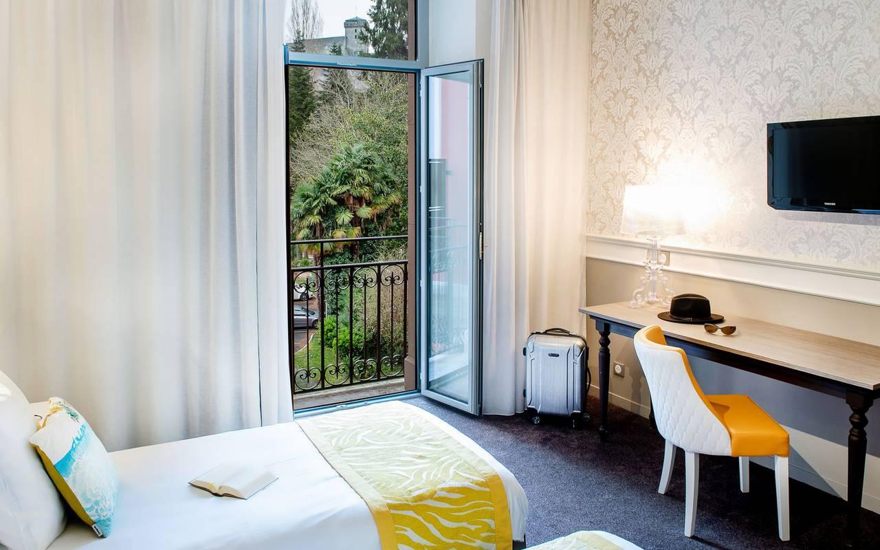 Room with balcony, 4-star hotel Lourdes, Hôtel Gallia
