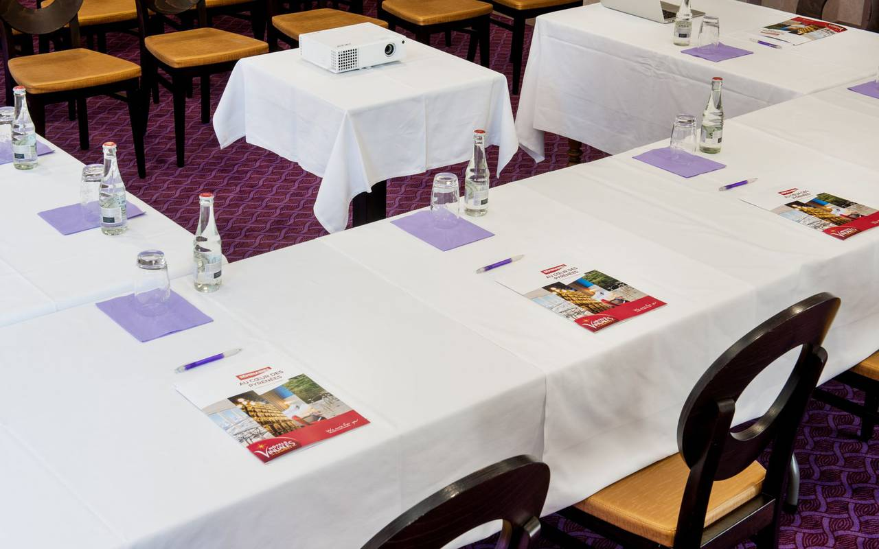 Seminar tables, seminars team-building Pyrénées, Hôtel Gallia Londres