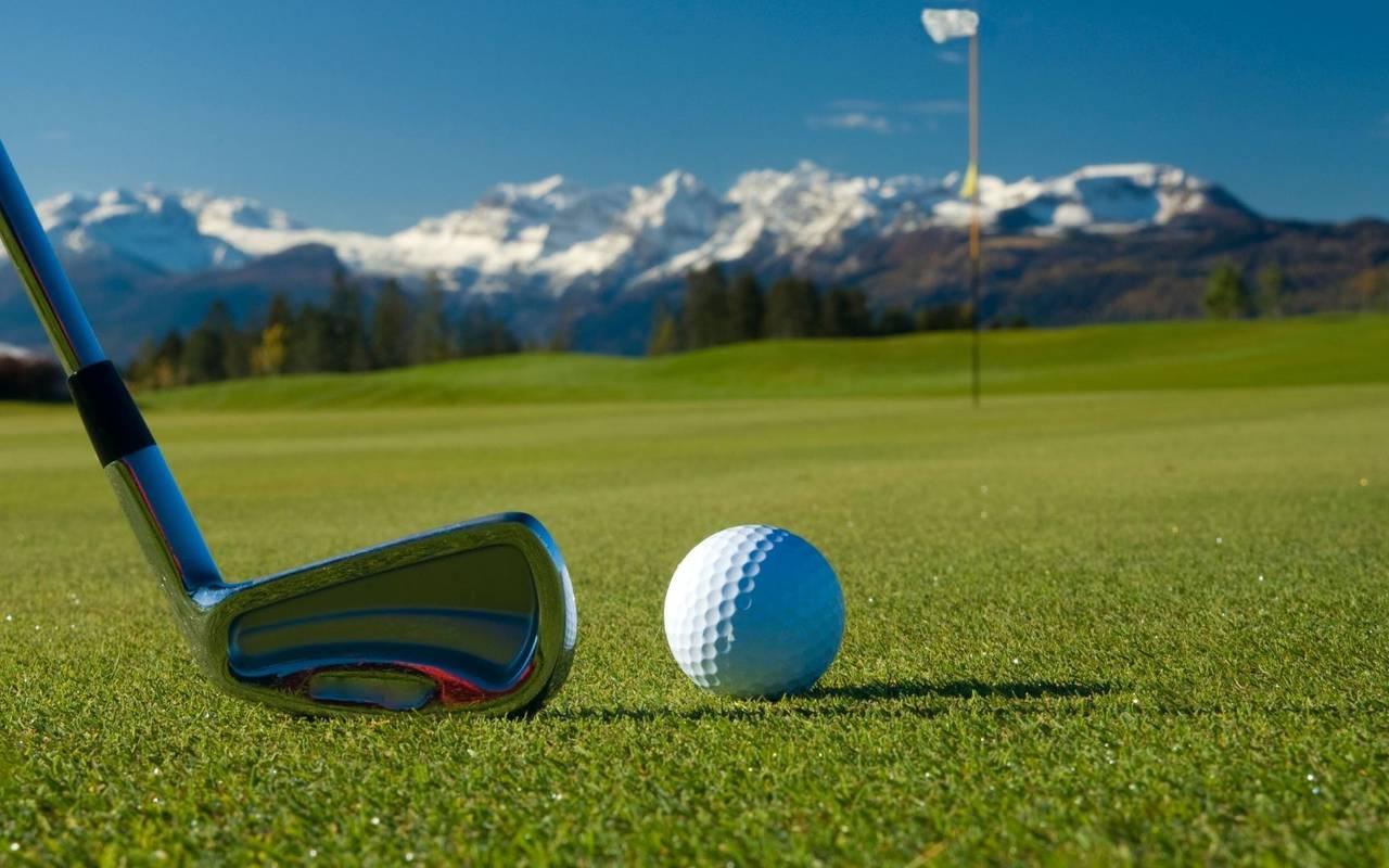 Golf club and ball, spa hôtel Hautes Pyrénées, Hôtel Gallia Londres