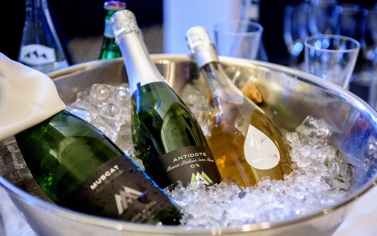 Bouteilles de champagne, séminaire Lourdes, Hôtel Gallia Londres