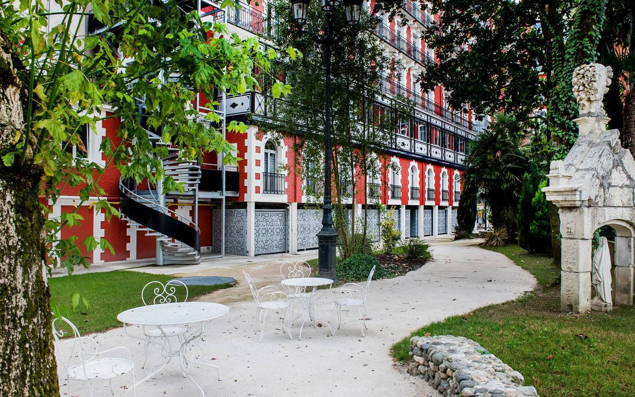Jardin, hôtel spa Hautes Pyrénées, Hôtel Gallia Londres