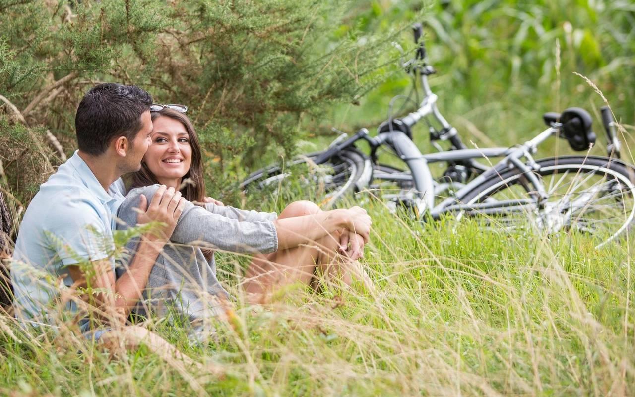 Couple dans la nature, hôtel spa Hautes Pyrénées, Hôtel Gallia Londres