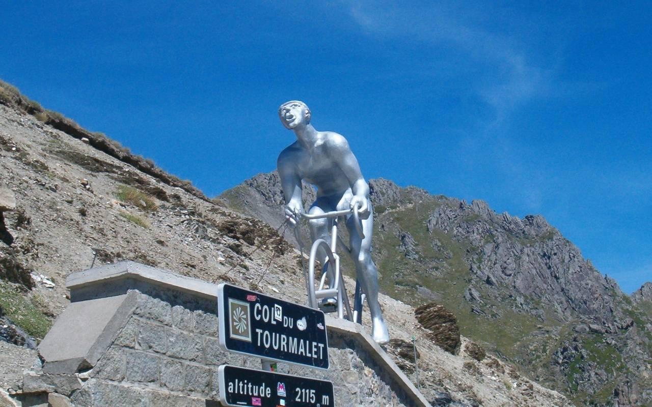 Statue, hôtel spa Hautes Pyrénées, Hôtel Gallia Londres